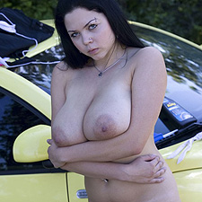 Busty Shione Cooper