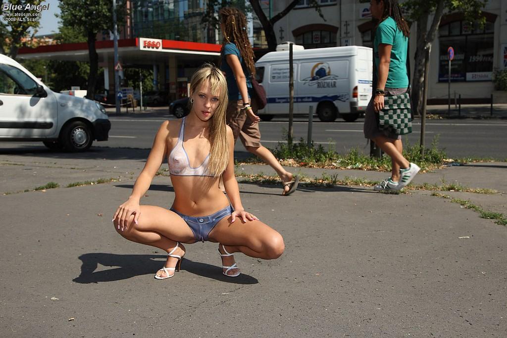 Free tiny teen nude pics