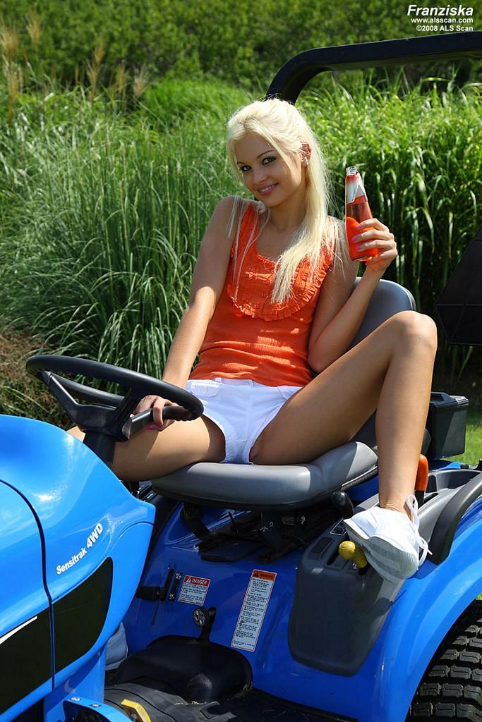 Milf cut grass xxx