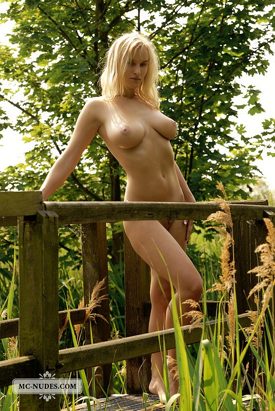 nude outdoors blonde Busty
