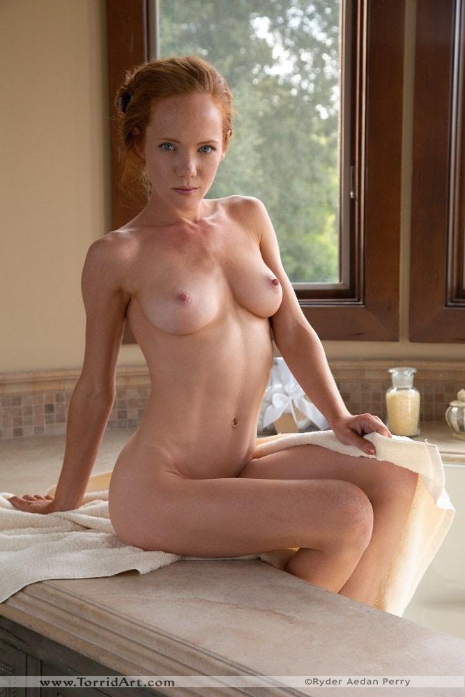 Nacked nipples in bathroom share
