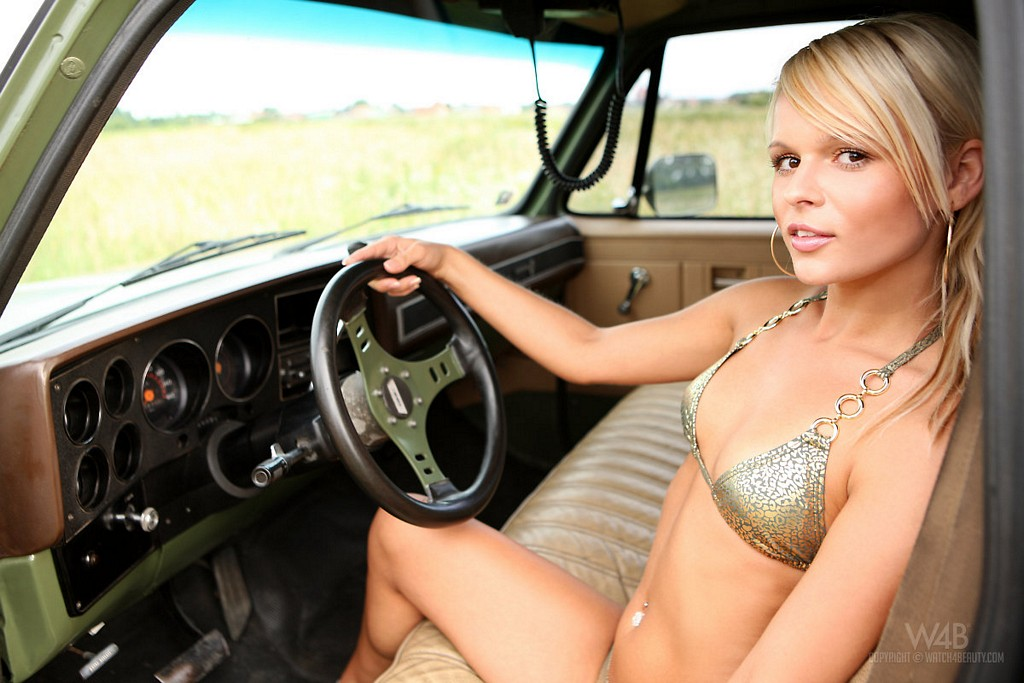 Apologise, jessica bee naked in truck