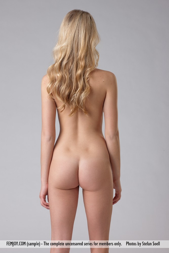 Tall nude blond — img 4