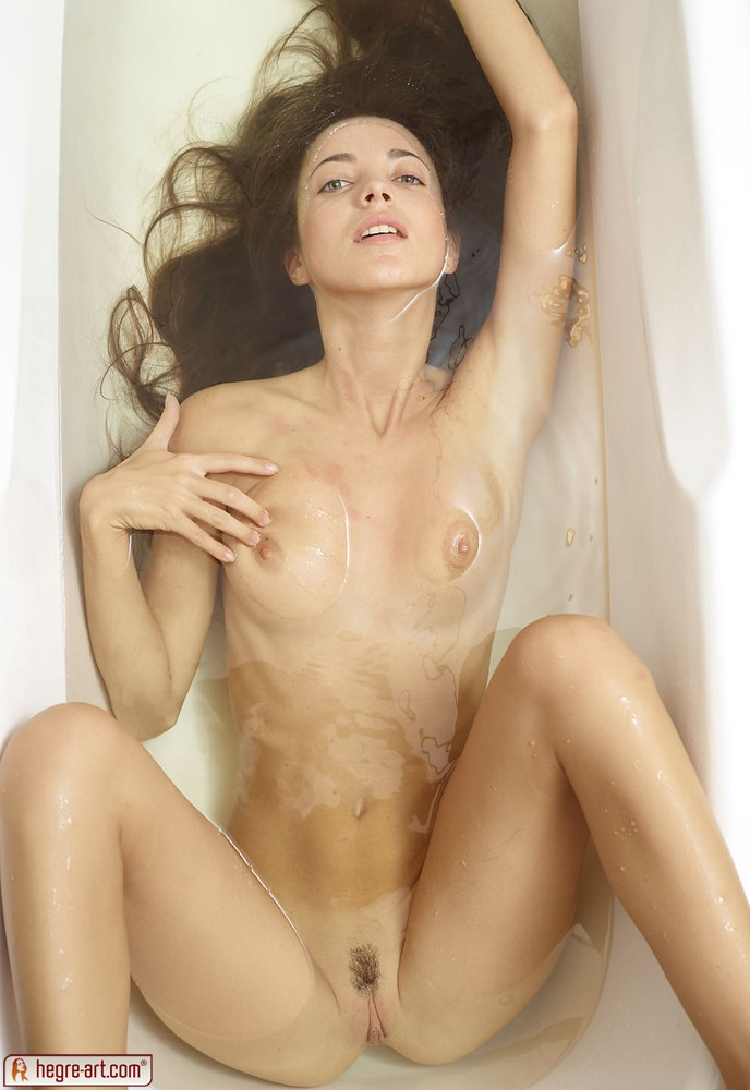 Thin nude brunette babe coming sorry, that