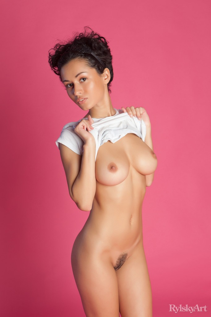 only-shirt-nude-girl-indian-fresh-pussy