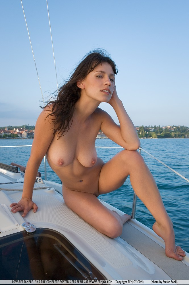 hot boating babes nude