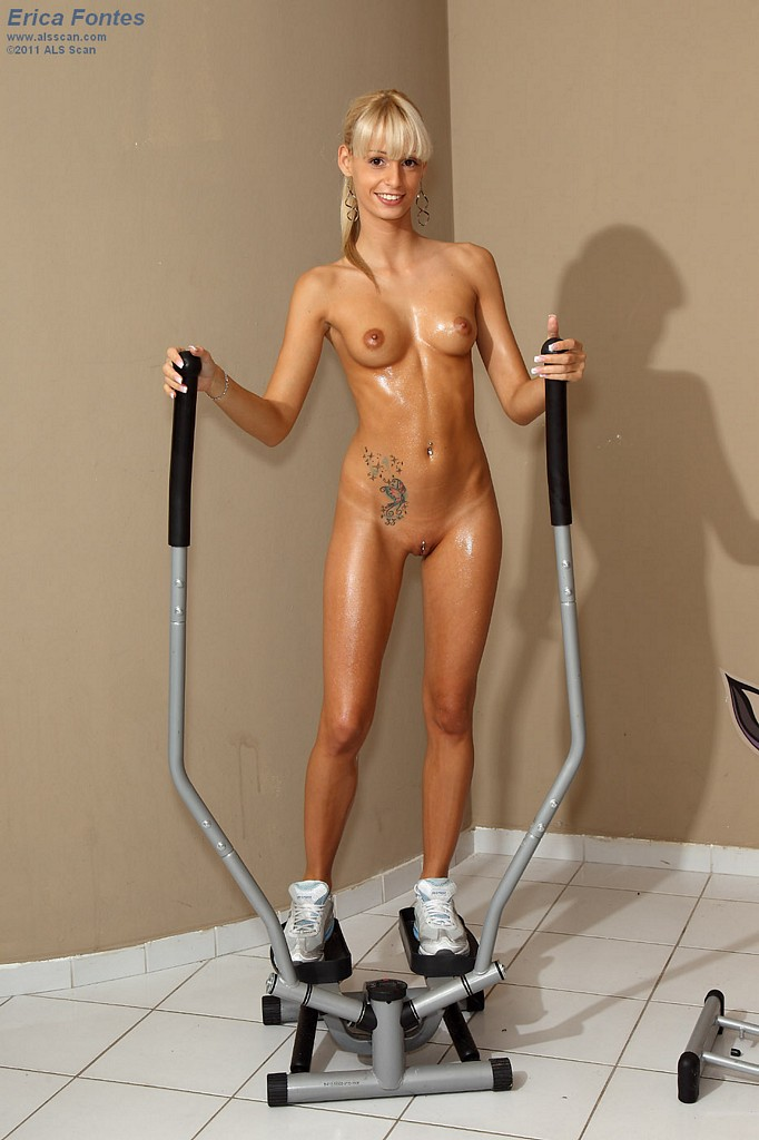 naked gym hotties