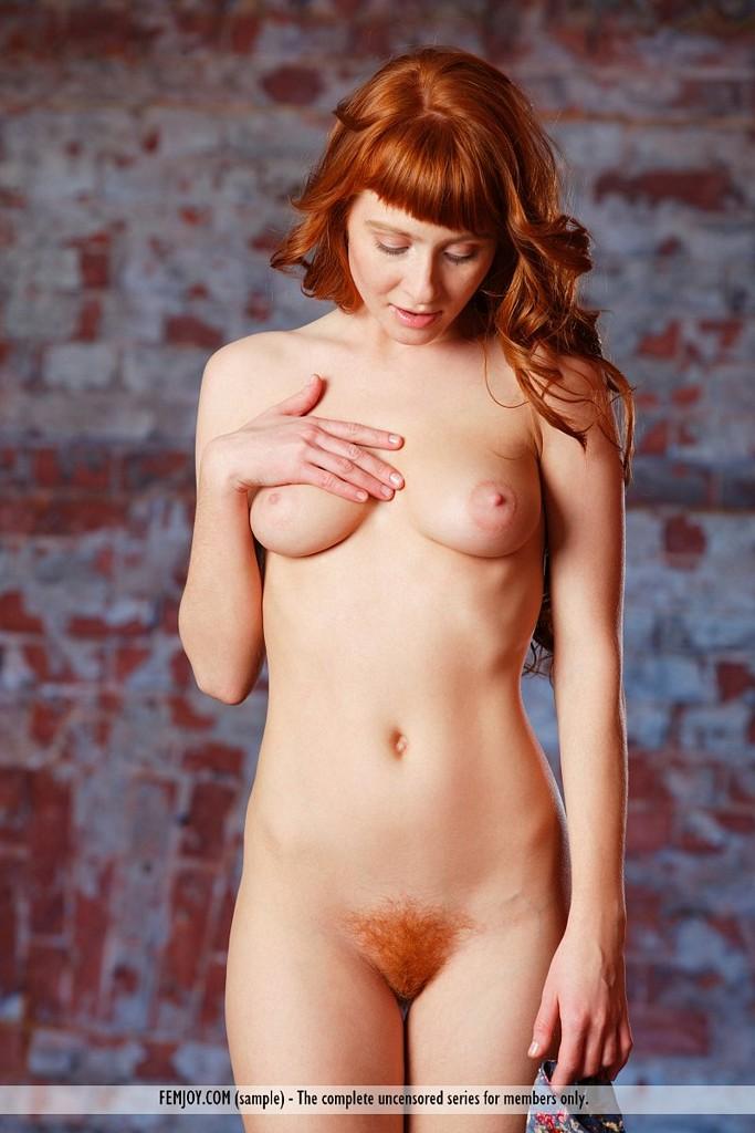 bush girls nude redhead