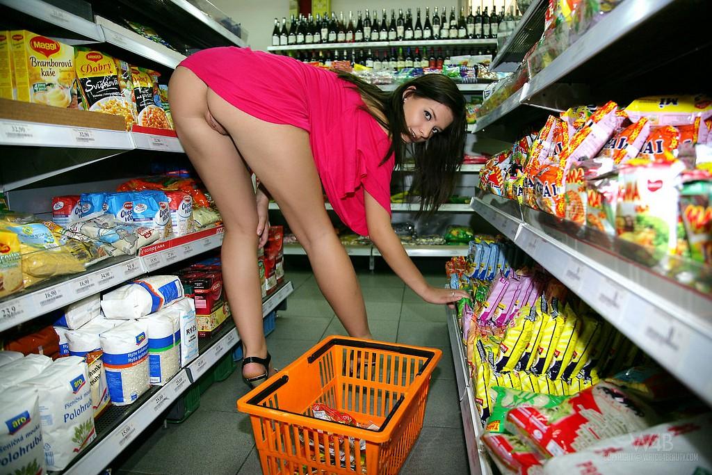 nude girl in supermarket
